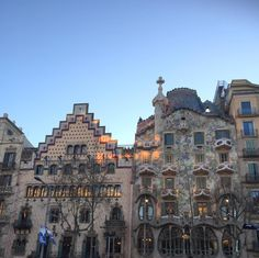 Vous ne connaissez pas encore la capitale de la Catalogne ? Lisez notre liste de 30 choses à faire à Barcelone !