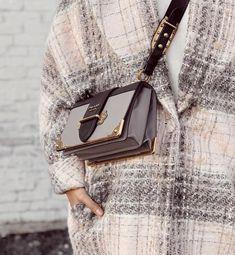 Muslim Women Fashion, Womens Fashion, Most Favorite, Coco Chanel, Clutch Purse, Leather Craft, Urban, Handbags, Purses