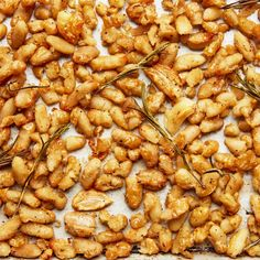 Learn how to make roasted crispy white beans with this easily customizable technique from food editor Anna Stockwell. White Bean Recipes, Bean Soup Recipes, Vegetarian Recipes, Cooking Recipes, Healthy Recipes, Vegetarian Barbecue, Barbecue Recipes, Vegetarian Cooking, Delicious Recipes