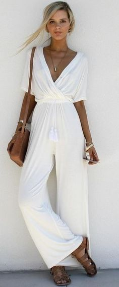 Gorgeous 37 Chic Summer Outfits To Update Your Wardrobe http://inspinre.com/2018/04/03/37-chic-summer-outfits-to-update-your-wardrobe/