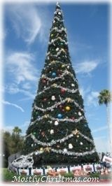 Don't miss any of your favorite Christmas movies or shows this year ~  2014 Christmas Movies and Holiday TV Shows Schedule