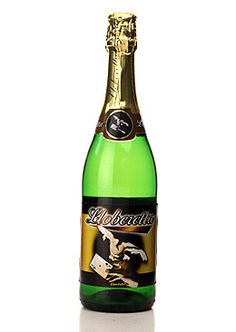 A non-alcoholic Bubbly made from Passion Fruit. Non Alcoholic Sparkling Wine, Best Sparkling Wine, Sparkling Grape Juice, Prosecco Sparkling Wine, Alcoholic Drinks, Alcohol Free Wine, Sweet Red Wines, Free Beer