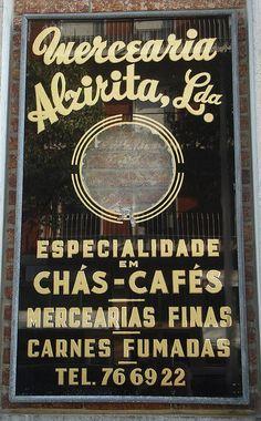tipografia de uma mercearia antiga