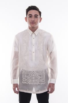 This hand-embroidered barong is made out of Cocoon, an intricately-woven fabric that closely resembles Pina. Baro't Saya, Barong Tagalog, Filipiniana Dress, Creative Shots, Indian Groom Wear, Tropical Fashion, Collar And Cuff, Chino Shorts, Woven Fabric