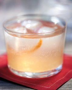Gin-and-Grapefruit Fizz Recipe