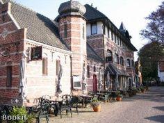 Rudanna Castra is rustig gelegen in het mooie Aardenburg, het oudste dorp van Zeeland. Het hotel is gevestigd in een prachtig historisch pand, de voormalige brandweer- en marechaussee kazerne.
