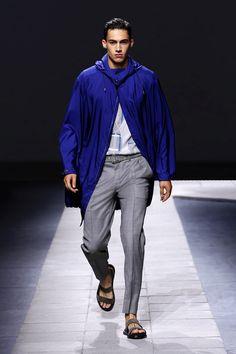 LOOKSS16_34 - Boutique en ligne officielle Brioni : prêt-à-porter couture, services sur mesure et vêtements de sport pour hommes.