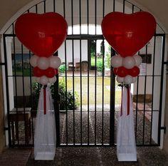 Columnas de Globos de Corazón para Boda