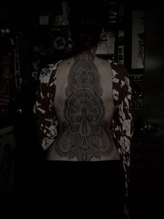 Henna back tattoos on pinterest henna henna arm tattoo and henna
