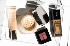 If you're reaching for those blotting papers by lunchtime, then you're probably using the wrong makeup for your oily skin. With just six key matte makeup products, you can keep those oils in check and get your makeup to stay put all day long! Diy Beauty, Beauty Hacks, Beauty Tips, Simply Sona, Salon Quotes, Blotting Paper, Matte Makeup, Healthy People 2020 Goals, Setting Spray