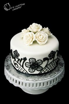 Black and White Cutting Cake & Cupcake Tower