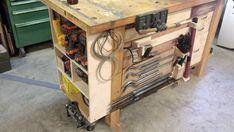 DIY Mobile & Modular Workbench to take your shop to the next level - gadgets .DIY Mobile & Modular Workbench Take your shop to the next level - gadgets and grainModular Workbench - Plans for Workbench Plans Diy, Building A Workbench, Mobile Workbench, Folding Workbench, Garage Workbench, Shop Storage, Table Storage, Woodworking Wood, Woodworking Projects