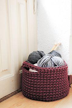 Ravelry: MaureenFCampbell's Plarn Basket crochet