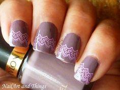 Lace nail art for short nails | AmazingNailArt.org
