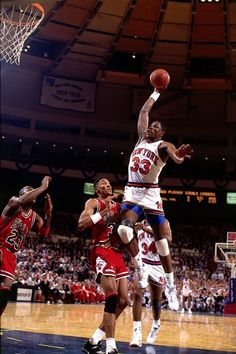 Ewing dunks on Bulls w Pippen, Jordan, n ex~Bull Oakley in background
