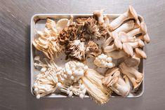 Garlic, Stuffed Mushrooms, Vegetables, Food, Meal, Essen, Vegetable Recipes, Hoods, Meals