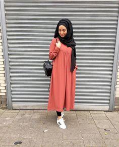 hijabi fashion images from the web Hijab Style Dress, Modest Fashion Hijab, Casual Hijab Outfit, Hijab Chic, Abaya Fashion, Muslim Fashion, Fashion Outfits, Hijab Evening Dress, Modele Hijab