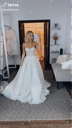 Chiffon Wedding Gowns, Pretty Wedding Dresses, Wedding Dress Trends, Pretty Dresses, Beautiful Dresses, Matric Dance Dresses, Prom Dresses, Classy Dress, Dream Dress