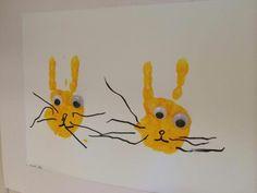 "Handprint rabbits from Abra Cadabra barnehage ("",)"