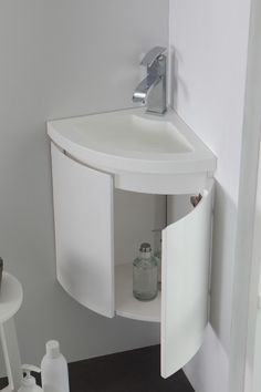 How to Choose Functional Bathroom Cabinets - Life ideas Corner Sink Bathroom, Bathroom Sink Design, Bathroom Vanity Units, Small Bathroom Vanities, Tiny Bathrooms, Tiny House Bathroom, Laundry In Bathroom, Bathroom Layout, Bathroom Storage
