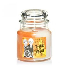 Yankee Candles Jar Candle (Medium) (Trick or Treat): Amazon.co.uk: Kitchen & Home