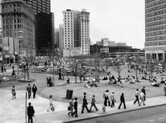 Central City Park, now Woodruff Park, Atlanta, 1979 >>> We used to meet there sometimes for a picnic lunch.