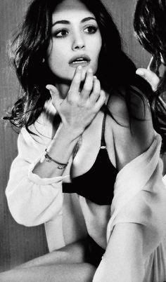 Emmy Rossum ♥ cant wait for Shameless S 4!!!