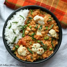 Roasted Cauliflower & Red Lentil Curry. A delicious and easy one pan meatless meal.