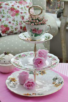 Rose Garden 3 Tier Vintage Cake Stand