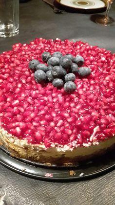 Bedste cheesecake i verden! Acai Bowl, Raspberry, Cakes, Fruit, Breakfast, Food, Acai Berry Bowl, Morning Coffee, Scan Bran Cake