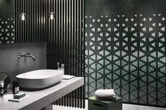 mosaicopiu-mosaico-decor-15x15-shine-through-green-ambiente-parete-bagno-toilet-design