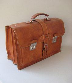Vintage Ledertasche (Schultasche / Lehrertasche) // Brown vintage leather bag by MissTell via DaWanda.com