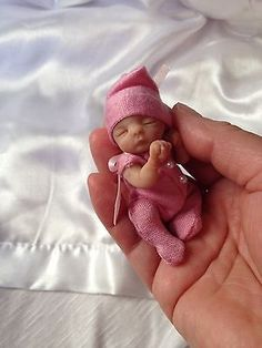 ooak polymer clay baby girl, ART DOLL, MINIATURE DOLL, 3''