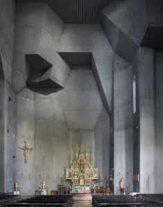 Fotografia: Igrejas Modernas de Meados do Século por Fabrice Fouillet,Gottfried Böhn's St Ludwig in Saarelouis, Germany, 1970. Image © Fabrice Fouillet