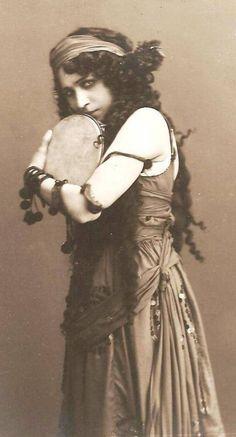 Sophia Fedorova   gypsy beauty   life of the gypsies   www.republicofyou.com.au