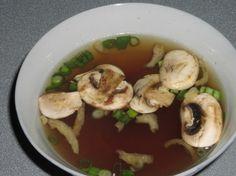 Japanese Onion Soup My love for japanese food is maybe a tad ridic. Miyabi Japanese Onion Soup Recipe:My love for japanese food is maybe a tad ridic. I Love Food, Good Food, Yummy Food, Tasty, Yummy Yummy, Delish, Japanese Onion Soups, Japanese Food, Japanese Mushroom Soup