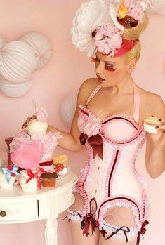 Milkshake Cupcake Corset [Corsetier: Maya Hansen, Photographer: Chema Anton]