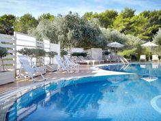 Thalassa Hotel 4 Stars luxury hotel in Lassi Offers Reviews