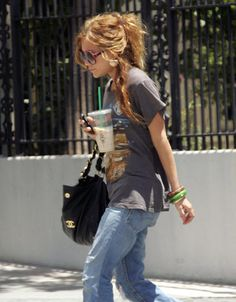 Love Mary Kate Olsen's messy grunge hair.