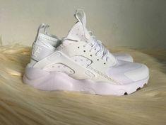 548348447b Comodidad y estilo con tenis Nike Huarache.