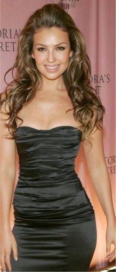 Thalia Thalia, Got The Look, Gorgeous Women, Beautiful, Celebs, Celebrities, Pretty Face, Pretty Woman, Her Hair