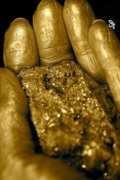 #gold #golden #glitter #glam