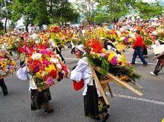 Desfile de silleteros,Feria de las Flores, Medellín, Colombia.