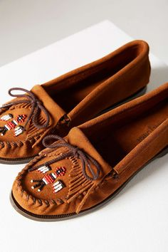 "These moccasins for <a href=""http://www.urbanoutfitters.com/urban/catalog/productdetail.jsp?id=33159872&category=WOMENS_SHOES"" target=""_blank"">$43.00</a>."
