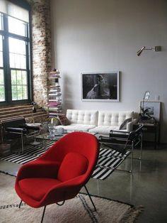 Larissa's Cotton Mill Loft Small Cool Contest Love that white couch. Small Space Living, Small Spaces, Living Spaces, Bauhaus, Wassily Chair, Living Room Sofa, Home Decor Inspiration, Decor Ideas, Interiores Design