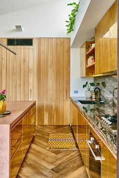 Texture with wall of wood. Smoke and black American oak parquetry floors from Royal Oak Floors are laid in a herringbone pattern. Royal Oak Floors, Kitchen Interior, Kitchen Design, Wall Texture Design, Melbourne House, Cool House Designs, Home Decor Trends, Cool Kitchens, Small Kitchens