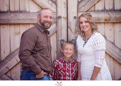 Western fall family photos at Rock Ledge Ranch