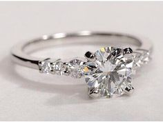 BEAUTIFUL  #DiamondsAfterDark . pic.twitter.com/vCrWBwnm86