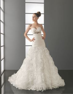 Wedding dresses for petite women