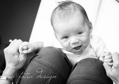 3 month old grow with me shoot. Playing airplane on mommy's knees. Natural light photography. Baby photo idea.